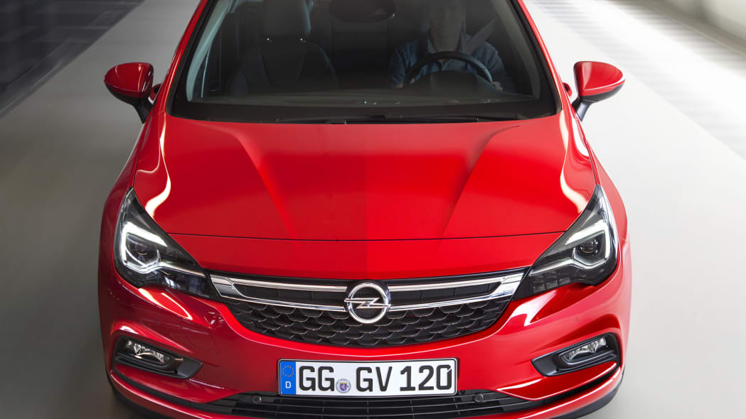 2016 Opel Astra front