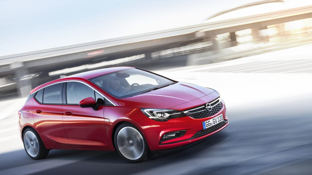 2016 Opel Astra front side 3/4