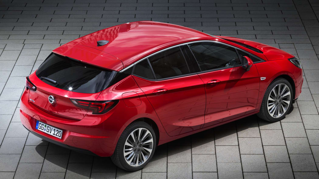 2016 Opel Astra parked top rear 3/4
