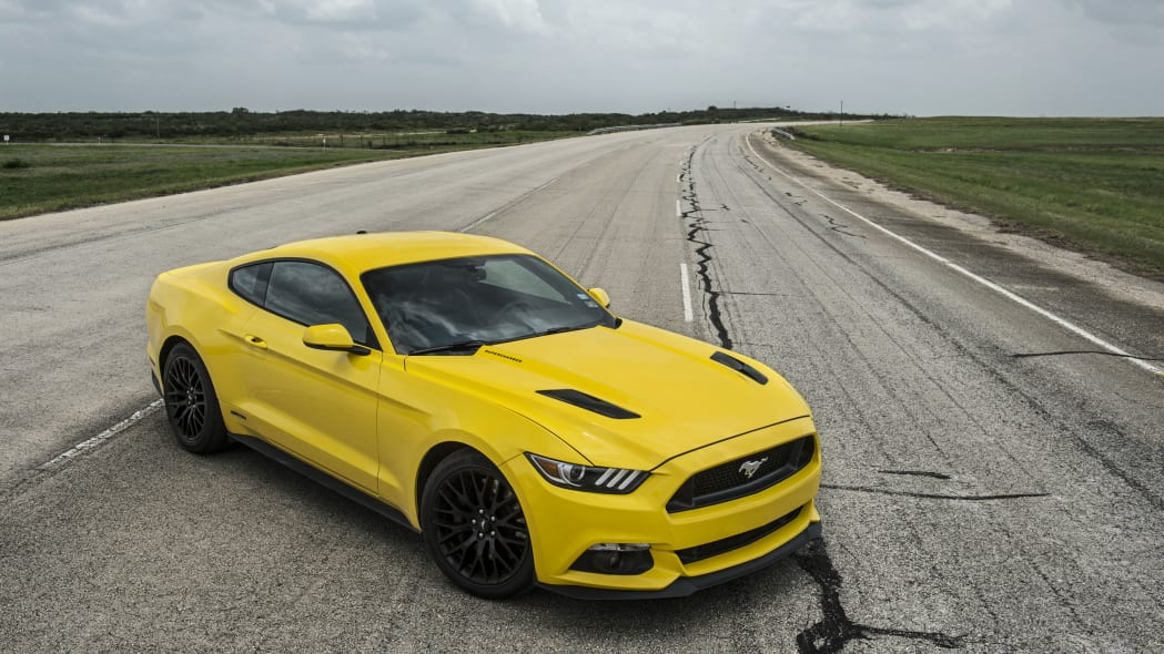 yellow hennessey performance hpe750 mustang hood vents