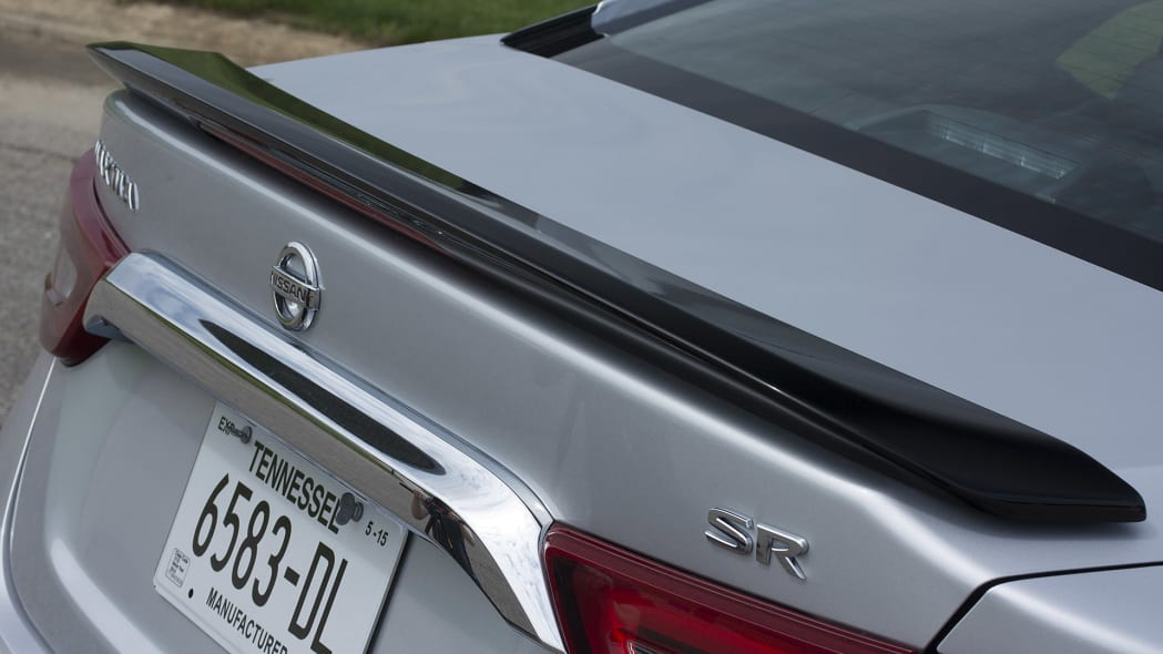 2016 Nissan Maxima rear wing