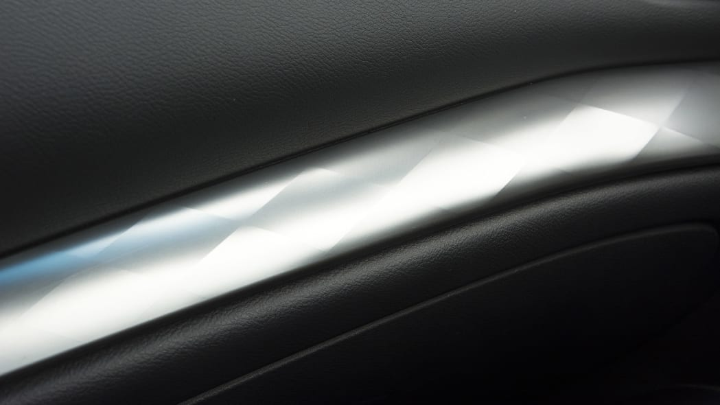 2016 Nissan Maxima door trim