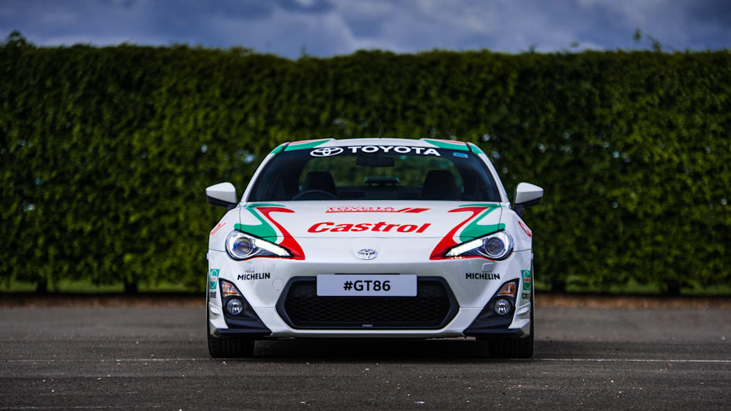 Toyota GT86 in Castrol livery front
