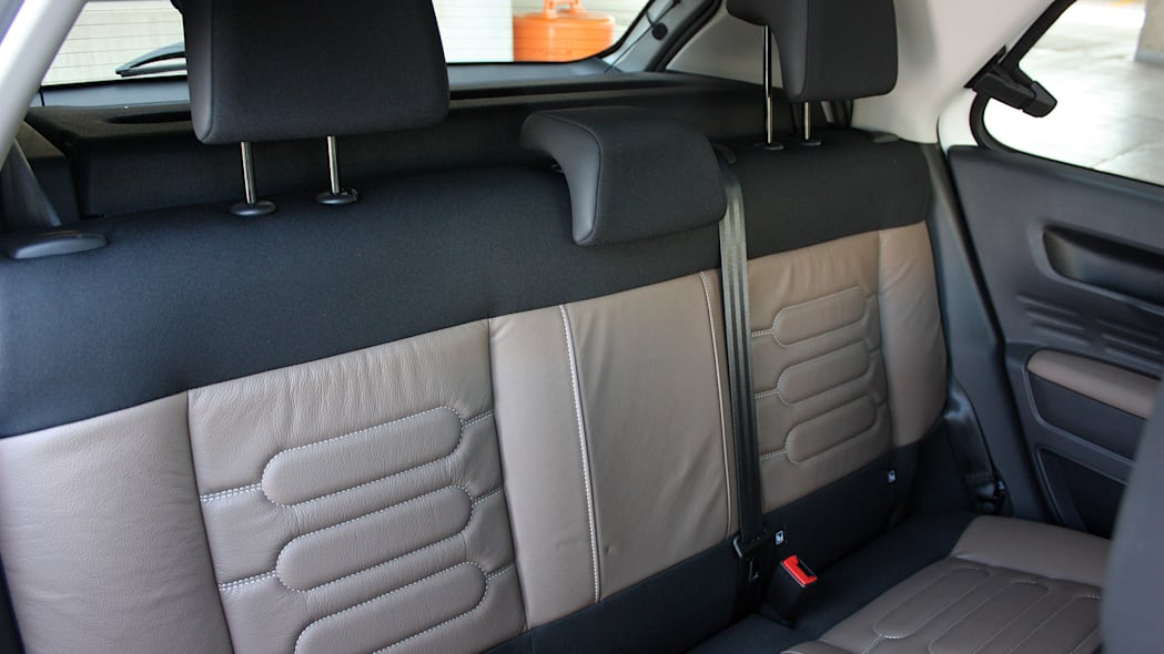 2015 Citroën C4 Cactus rear seats