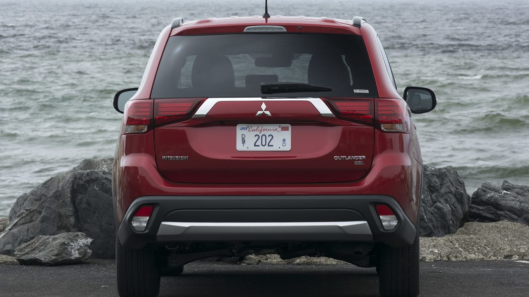 2016 Mitsubishi Outlander rear view