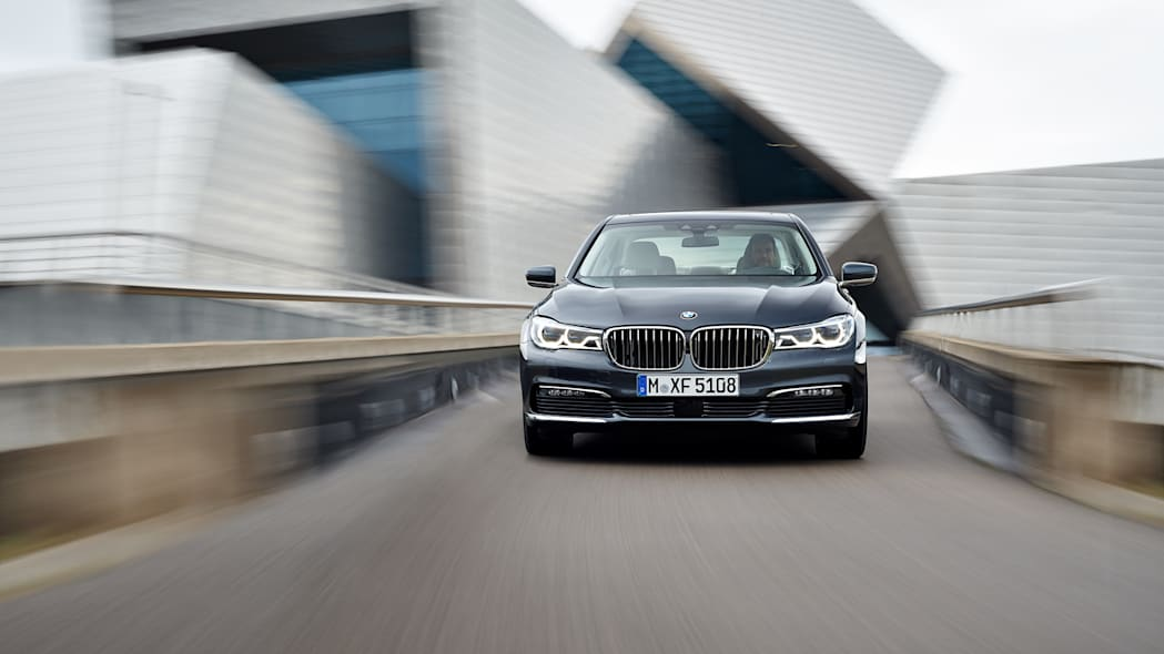 speed bmw 7 series 2016 action