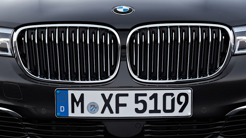 license plate bmw 7 series 2016