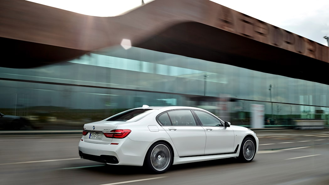 speed back action 2016 bmw 7 series