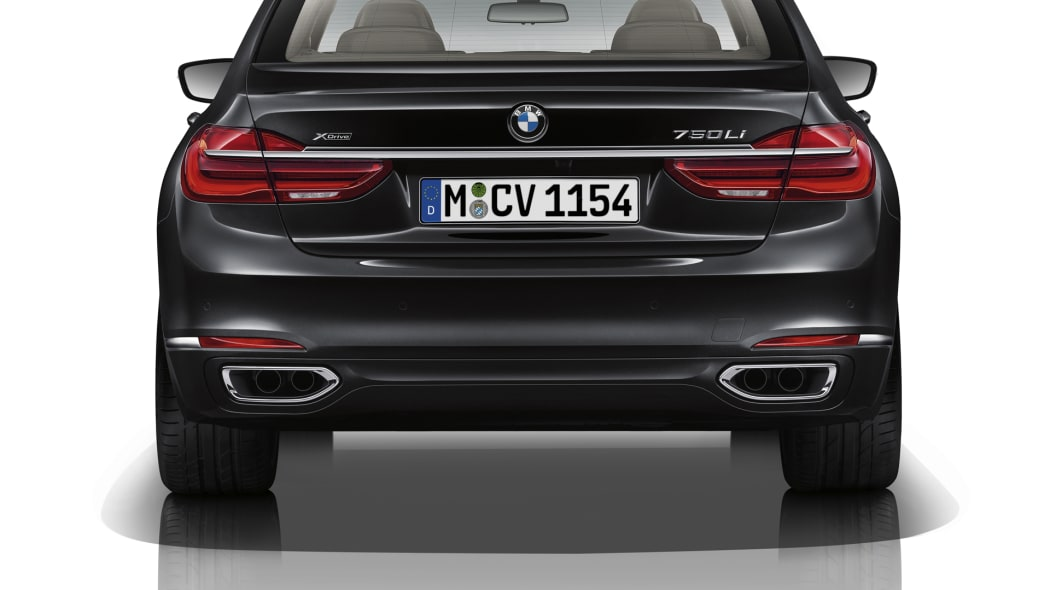 bmw 7 series exhaust back badges