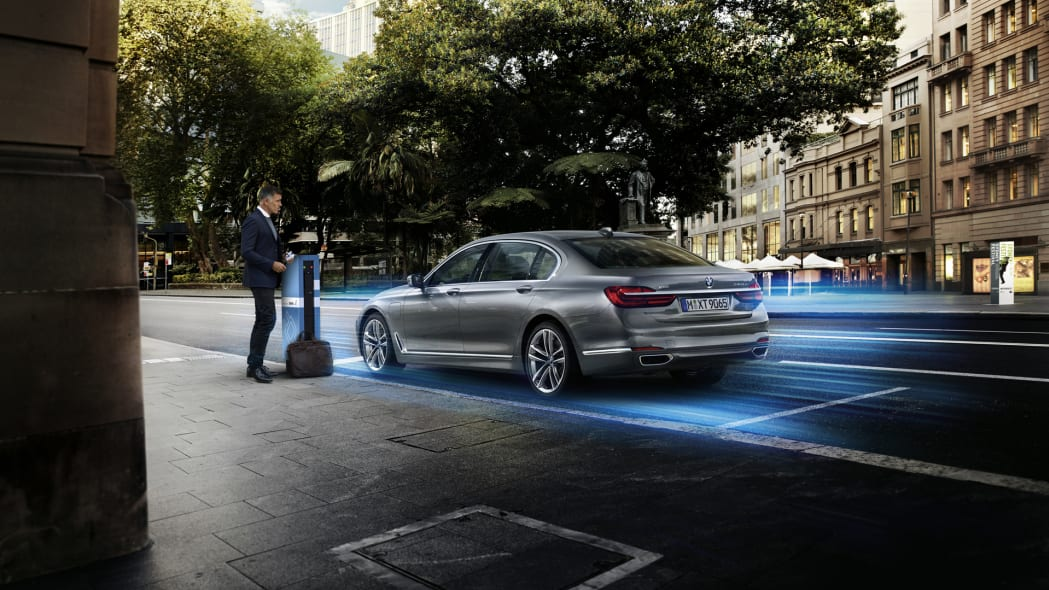 charging bmw 7 series electric hybrid