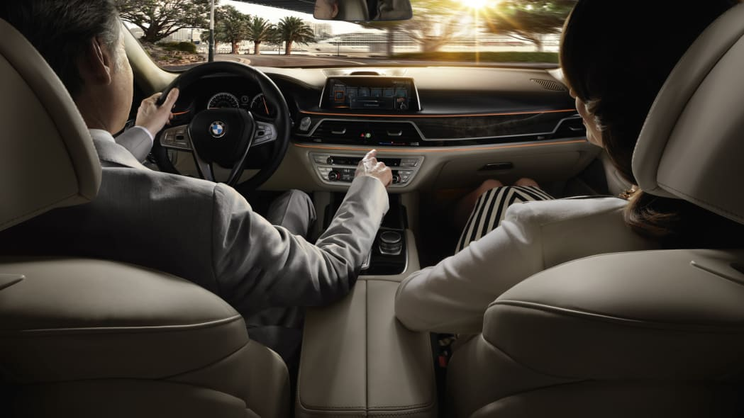 driving cabin interior bmw 7 series