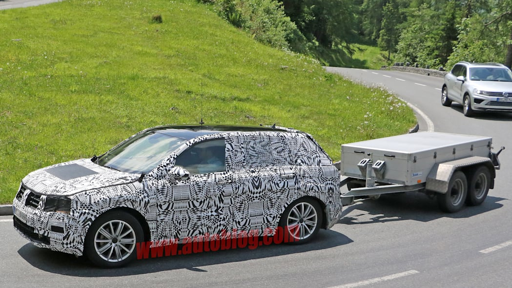vw towing tiguan camo spied disguised
