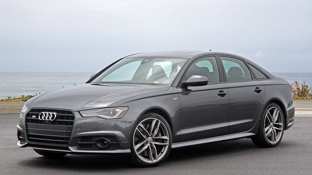 2016 Audi S6 front 3/4 view