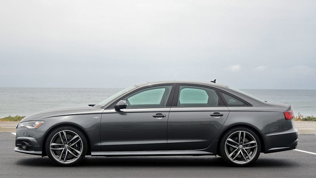 2016 Audi S6 side view