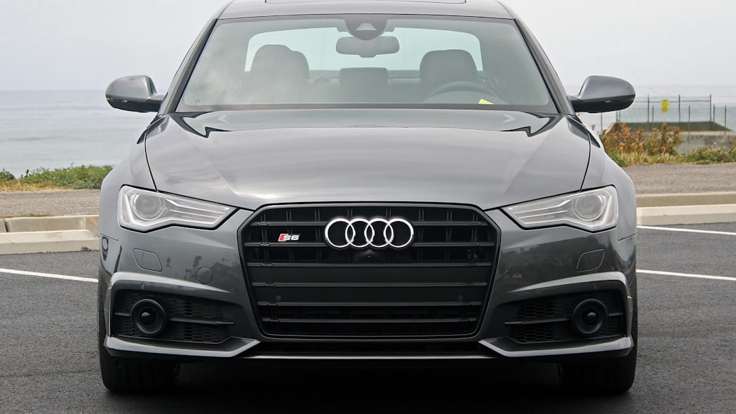 2016 Audi S6 front view
