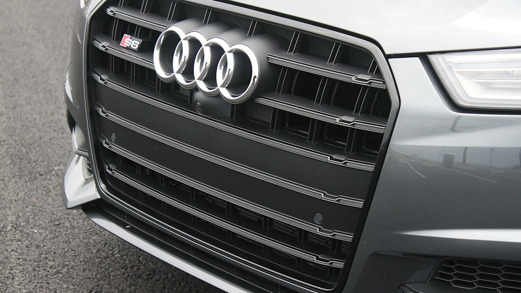 2016 Audi S6 grille