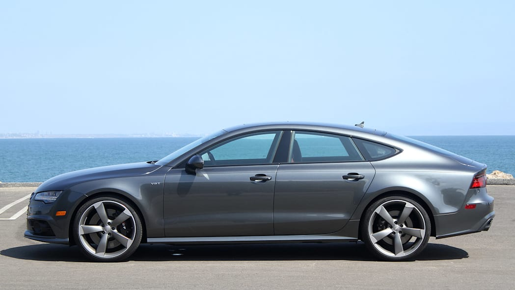 2016 Audi S7 side view