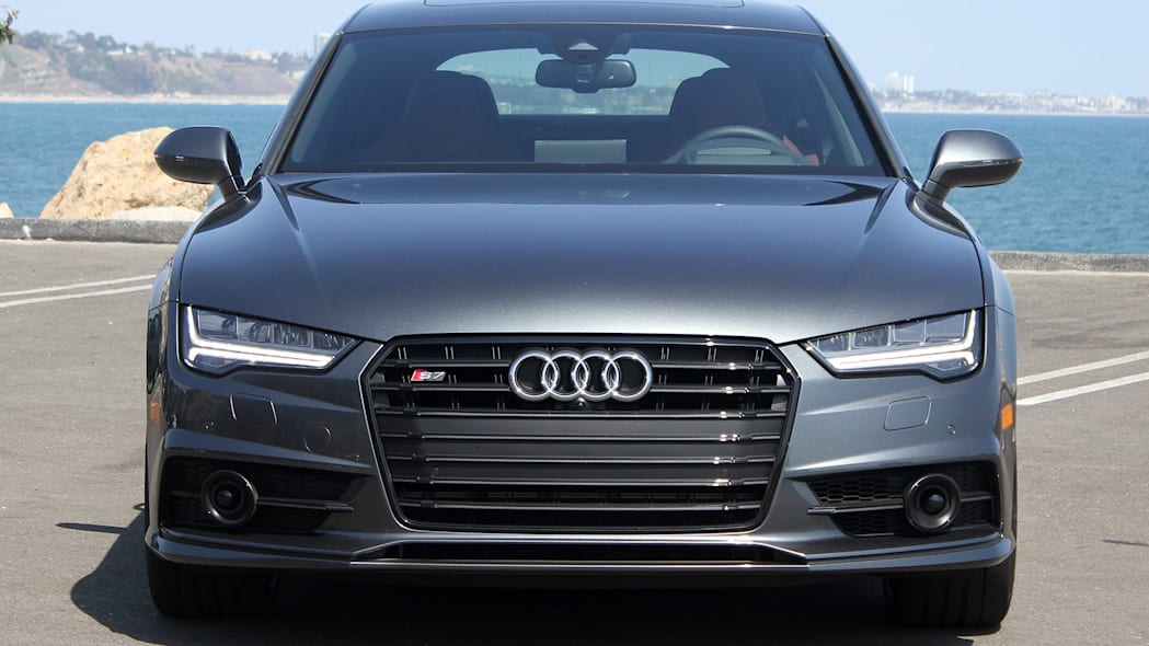 2016 Audi S7 front view