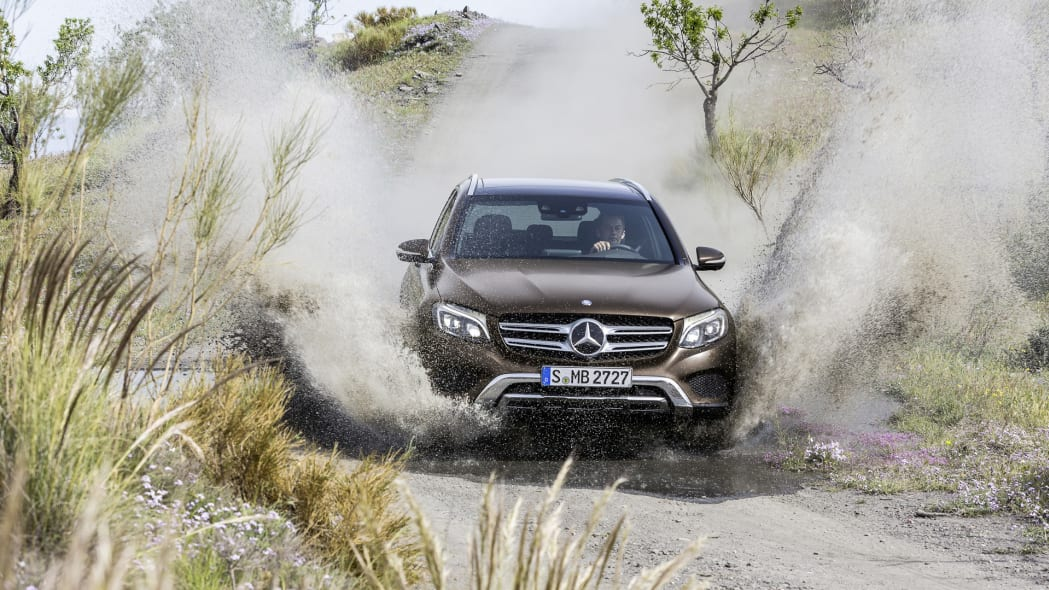 puddle water dirt trails glc mercedes offroad