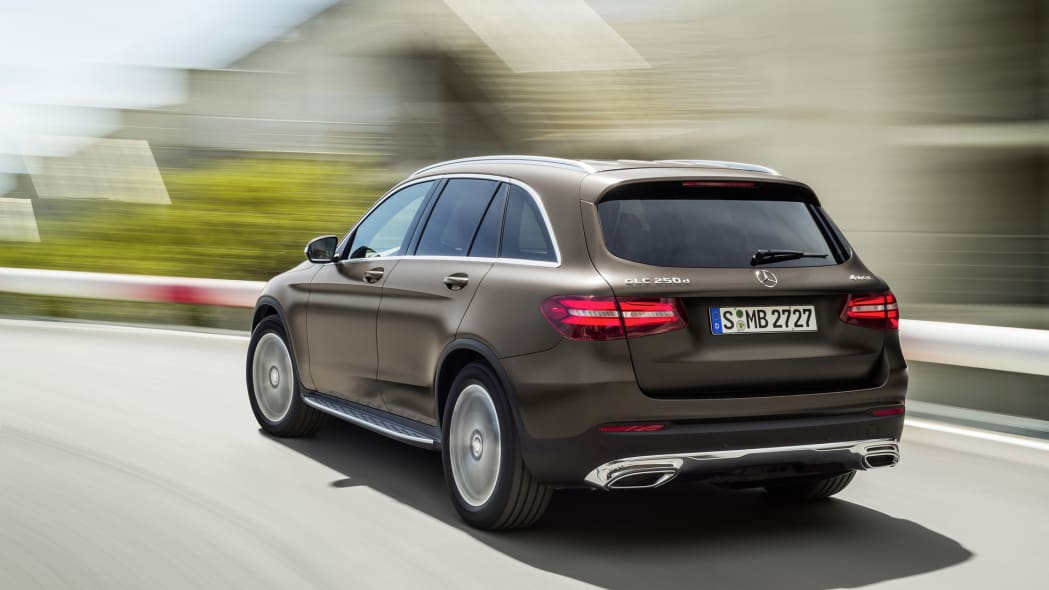 mercedes speed glc angle action 2016