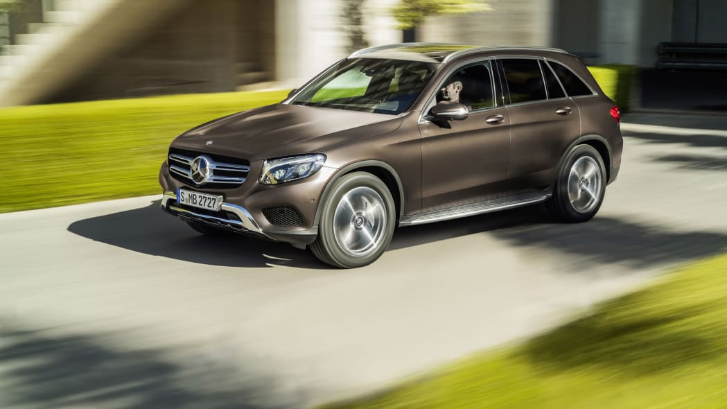 glc action mercedes speed 2016 crossover