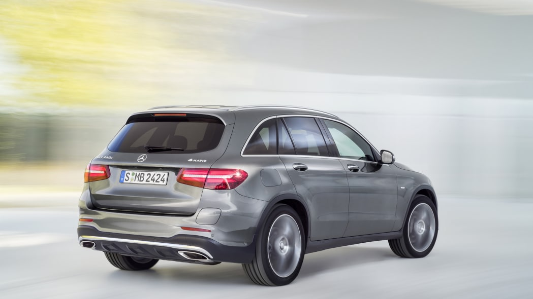 action speed glc mercedes 2016 back rear