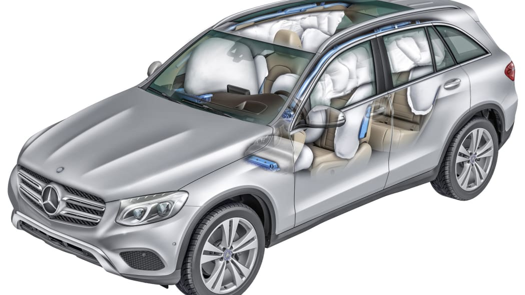 glc cabin airbags safety 2016 mercedes