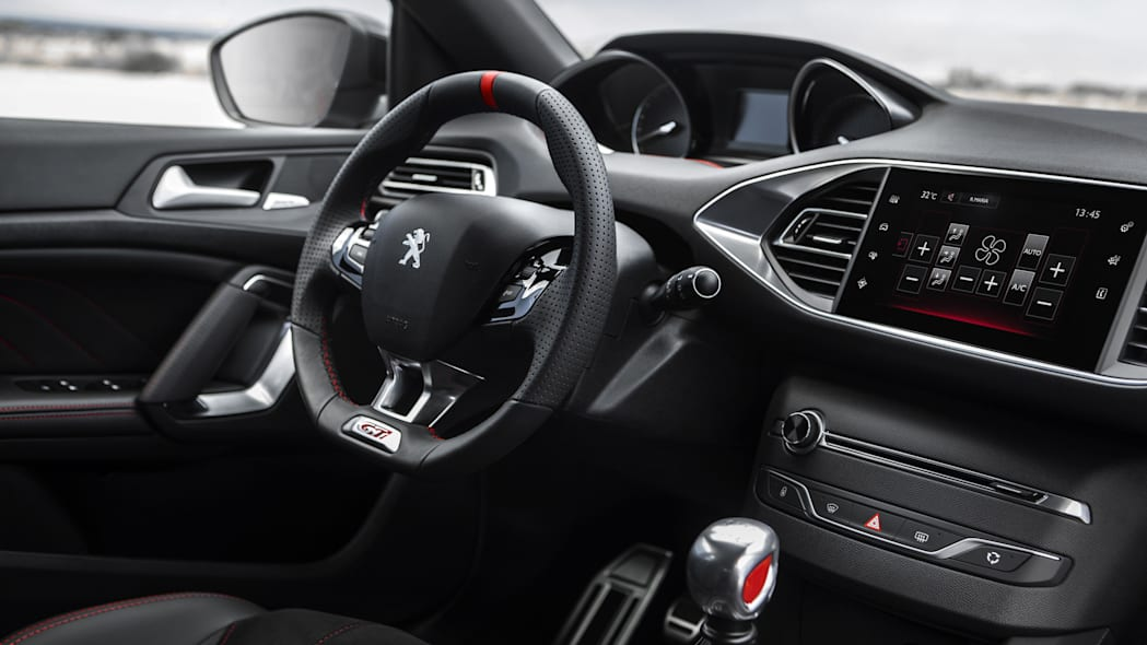 Peugeot 308 GTi interior dashboard