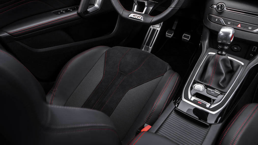 Peugeot 308 GTi seat pedals