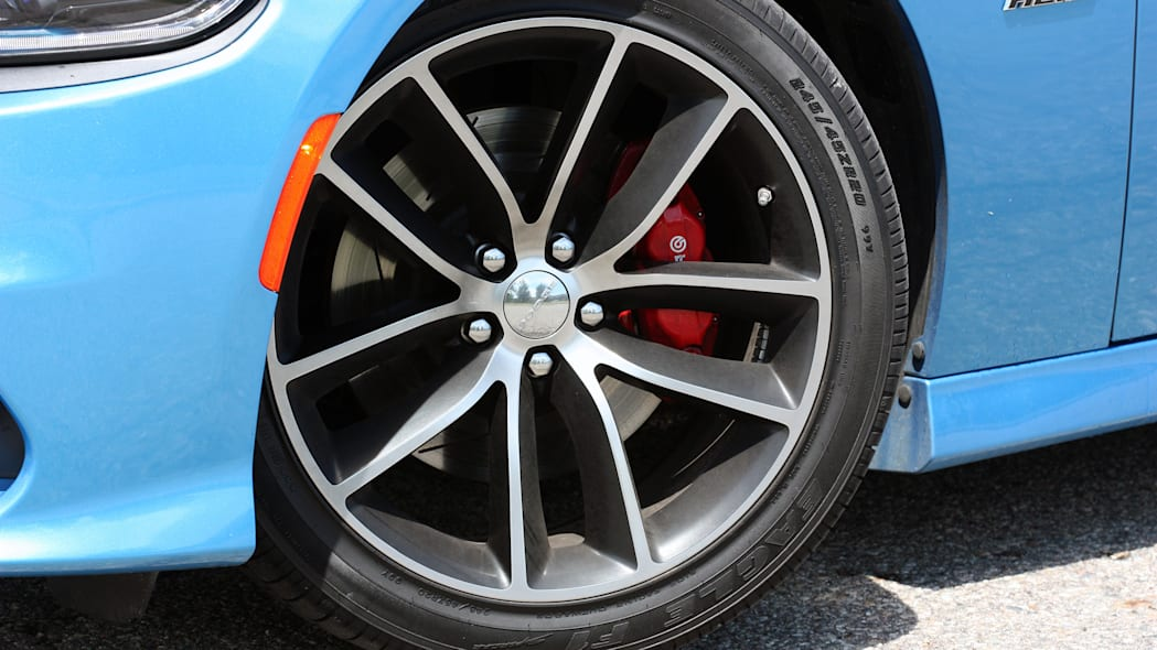 2015 Dodge Charger R/T Scat Pack wheels