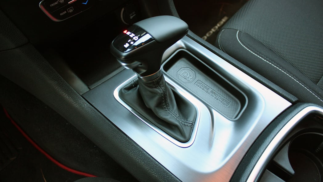 2015 Dodge Charger R/T Scat Pack gear lever