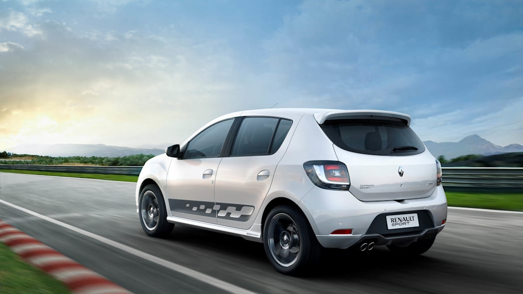 Renault Sandero RS 2.0 white track rear 3/4