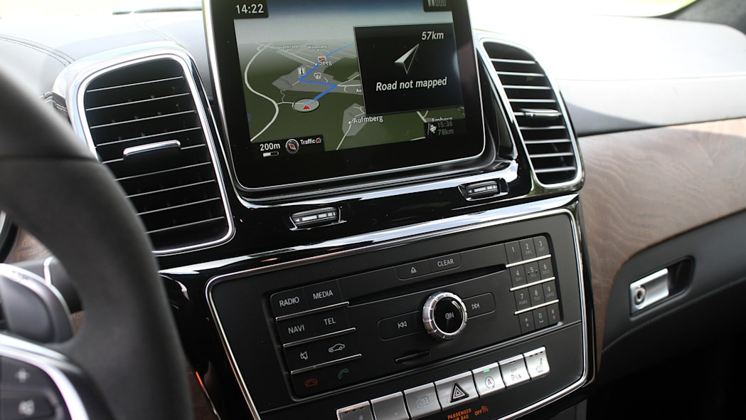 2016 Mercedes-Benz GLE Coupe instrument panel