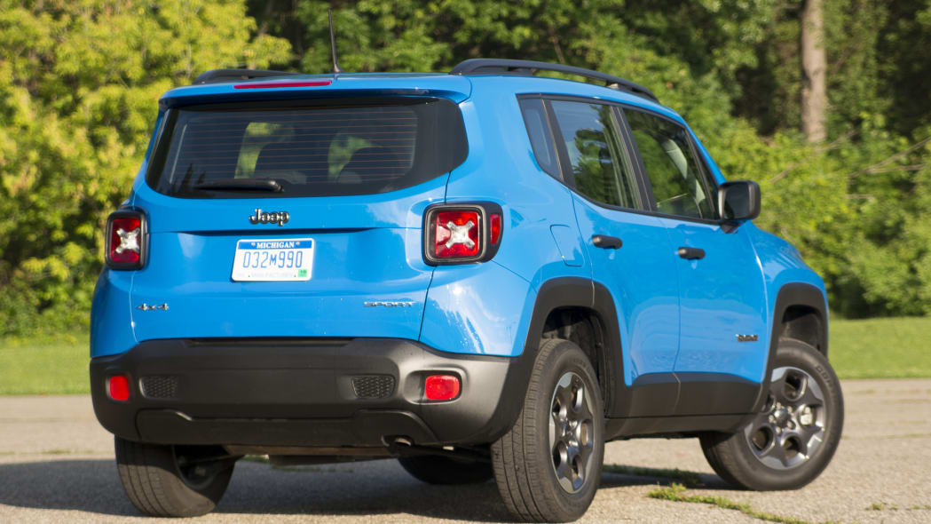 jeep renegade rear quarter 2015
