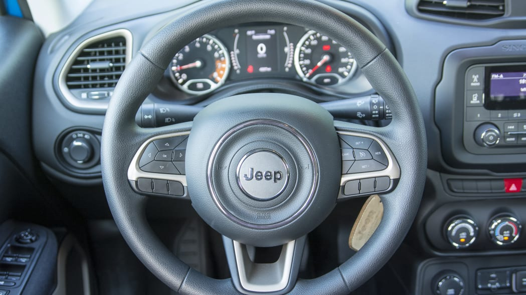 steering wheel jeep renegade cabin 2015