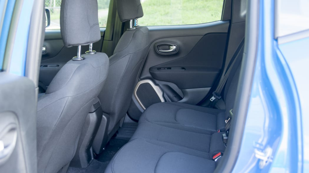 back seat jeep renegade 2015 interior cabin