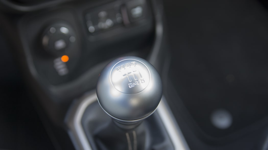 shifter knob gearbox jeep renegade 2015