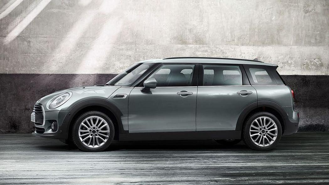 2016 Mini Clubman Cooper D side front 3/4