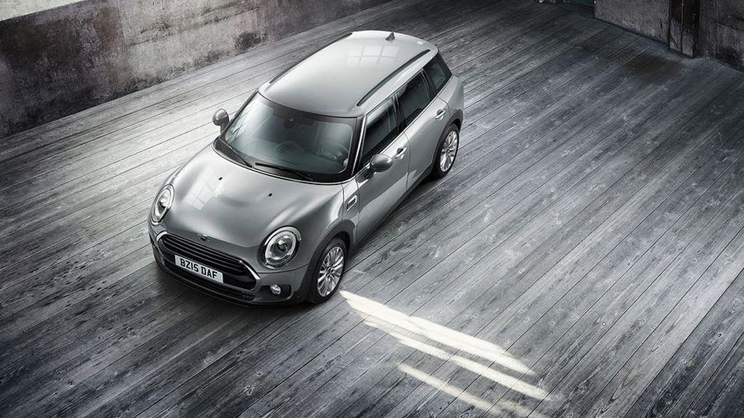2016 Mini Clubman Cooper D above front 3/4