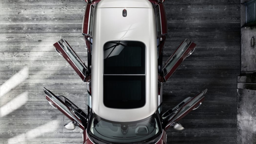 2016 Mini Cooper S Clubman above doors