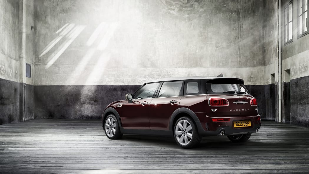 2016 Mini Cooper S Clubman rear 3/4