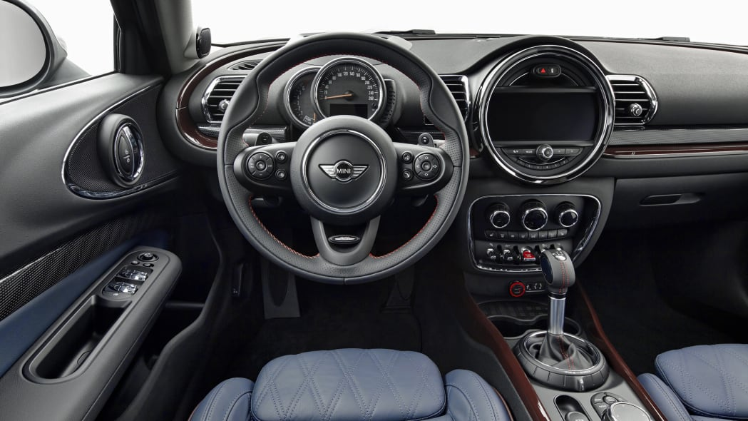 2016 Mini Clubman interior