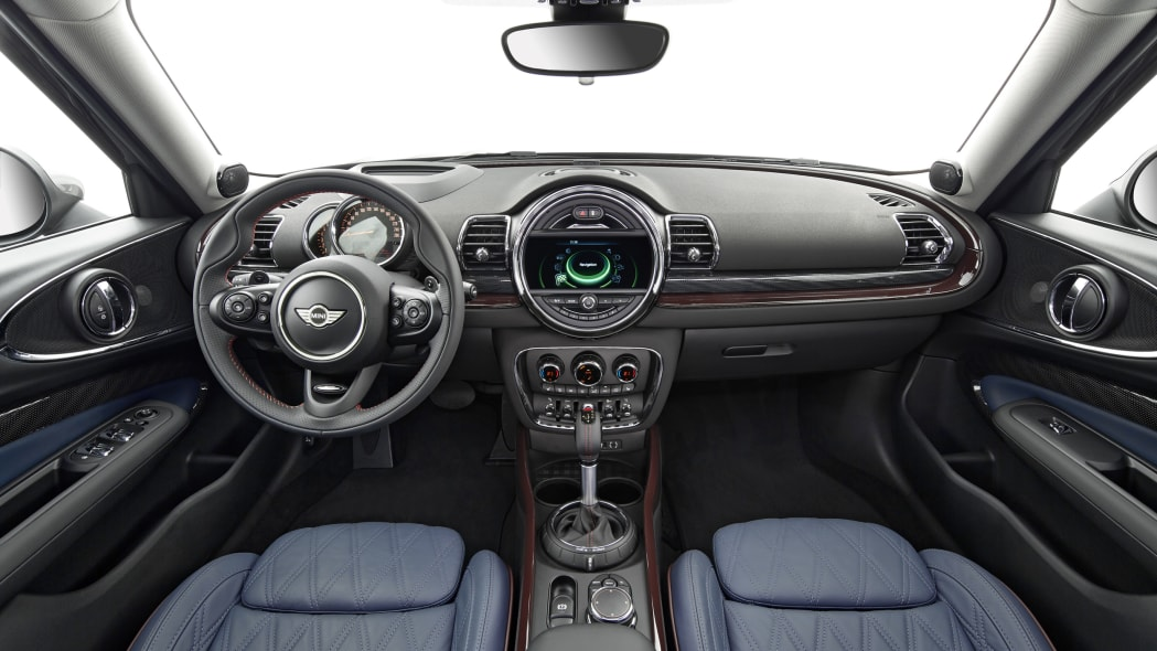 2016 Mini Clubman cabin interior