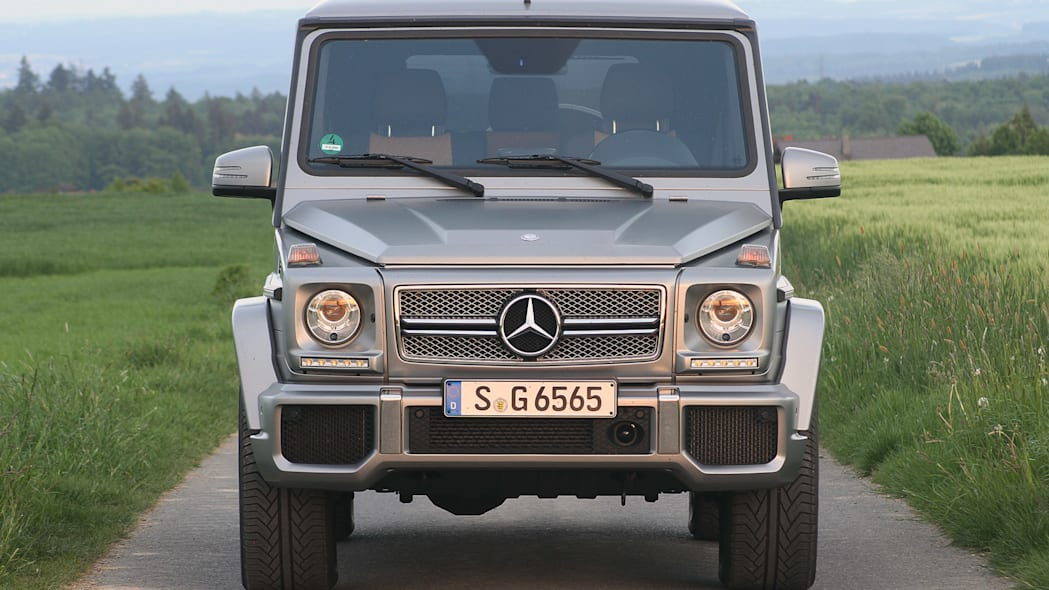 2015 Mercedes-Benz G65 AMG front view