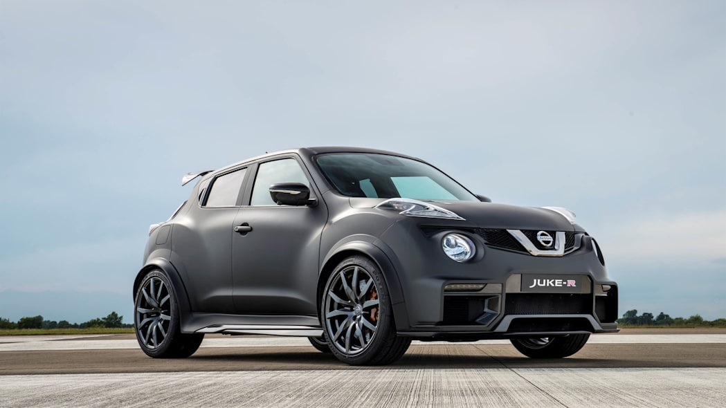 Nissan Juke-R 2.0 stationary front 3/4