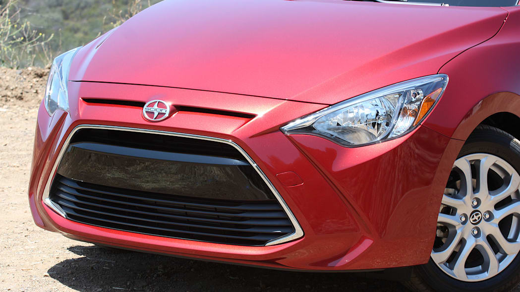 2016 Scion iA front detail