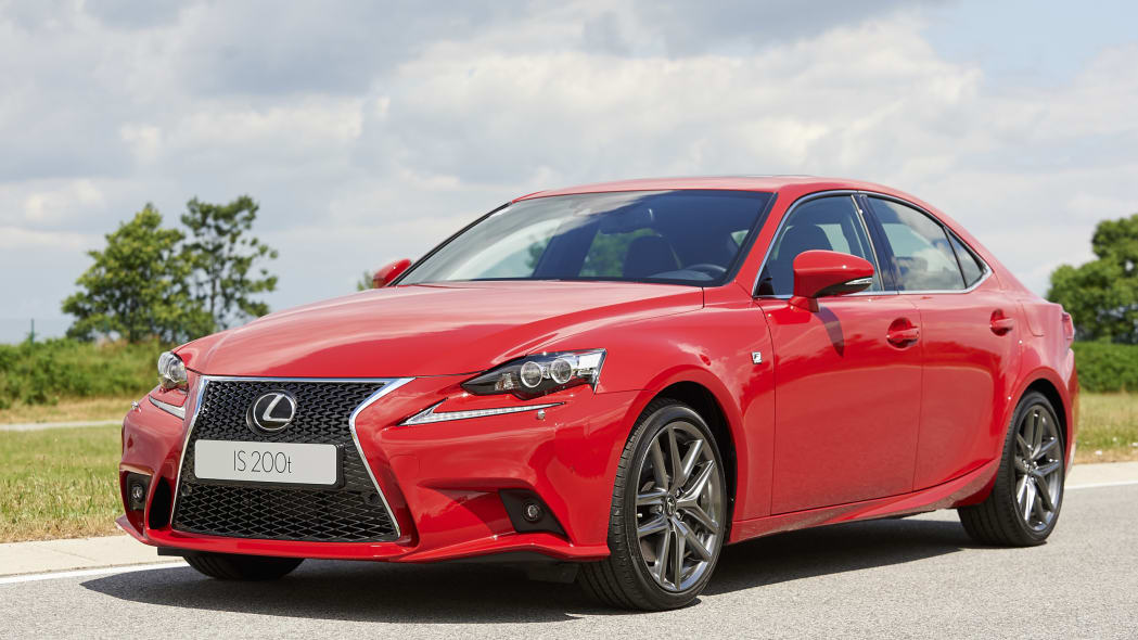 The Lexus IS200t, front three-quarter view close.