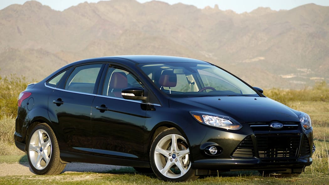 2012 Ford Focus titanium sedan front view black mountains