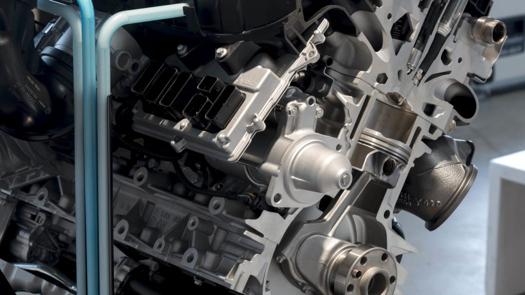 BMW Direct Water Injection Technology inline three-cylinder engine