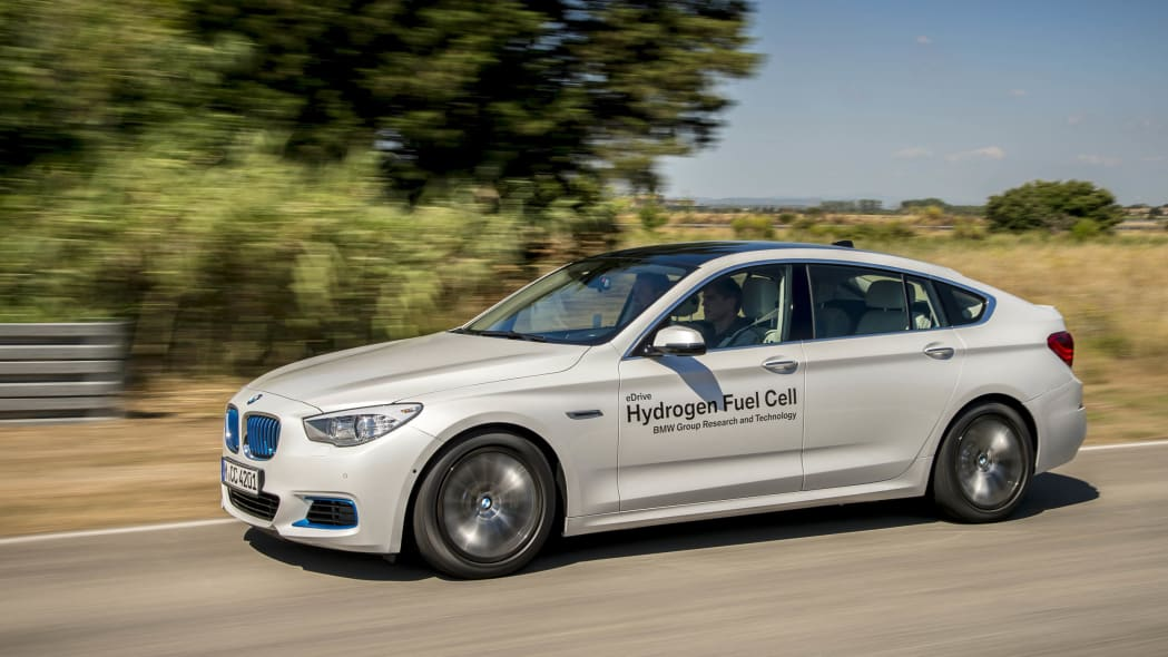 bmw 5 series action motion fuel cell hydrogen